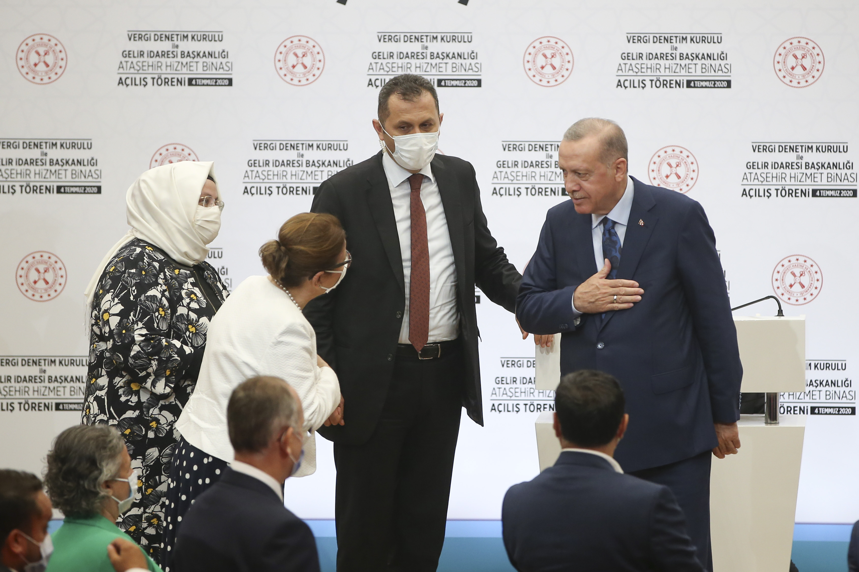 President Erdoğan attended the opening ceremony of the Ministry of Treasury and Finance's Ataşehir Service Building