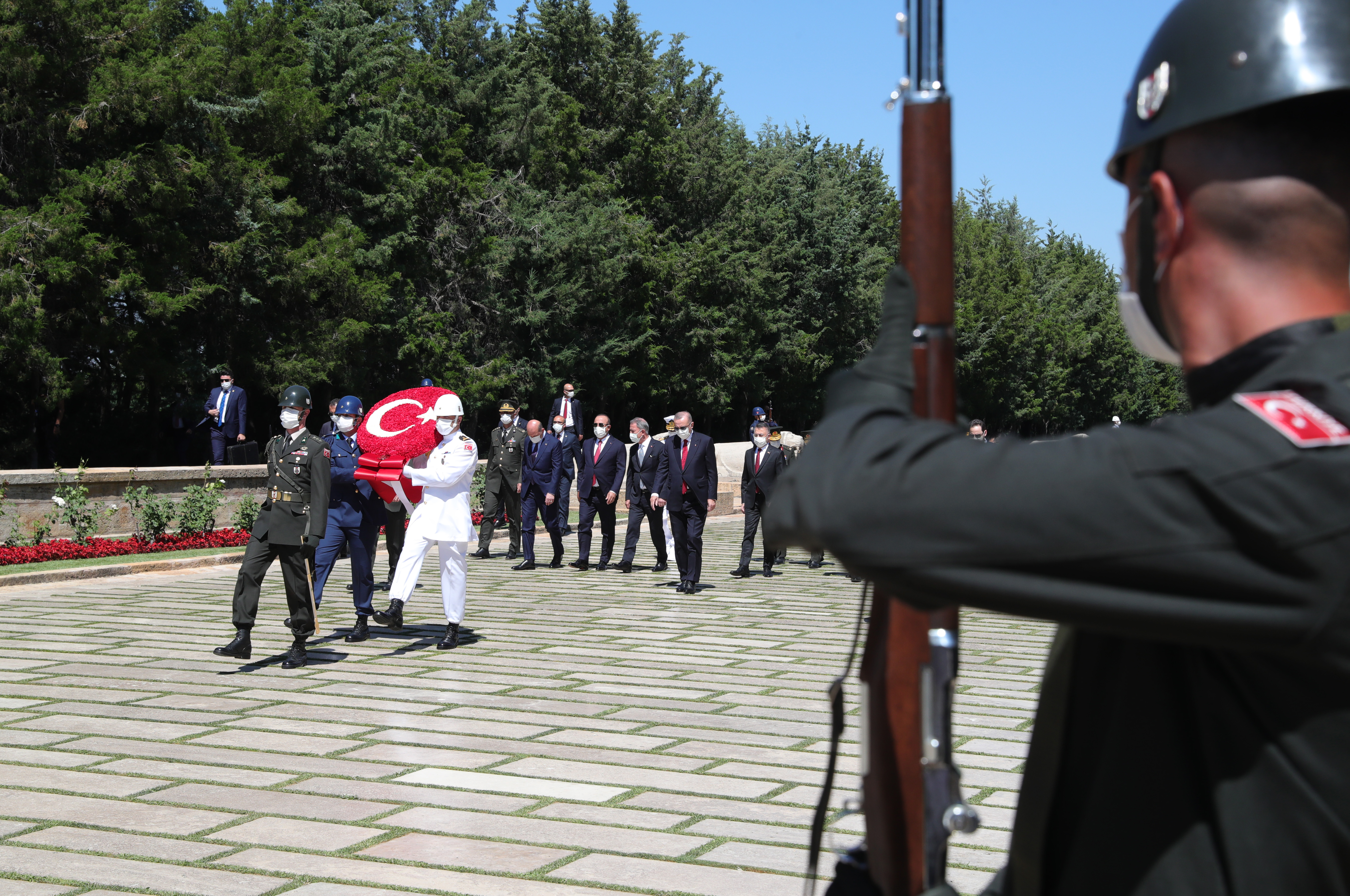 President Erdoğan and members of the Supreme Military Council visited Anıtkabir (Atatürk's Mausoleum) before the meeting of the Supreme Military Council
